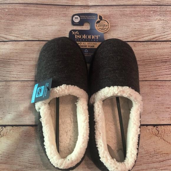 NWT Isotoner Comfort Slipper